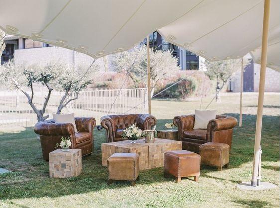 fauteuils_cuirs_capitonnes