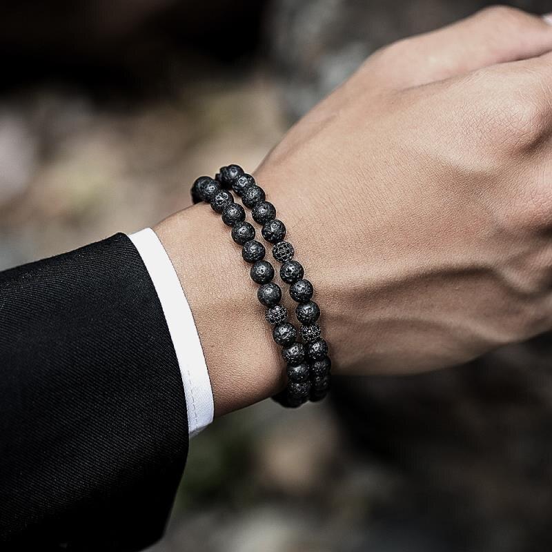 bracelet homme de type homme d'affaire élégant chic classe