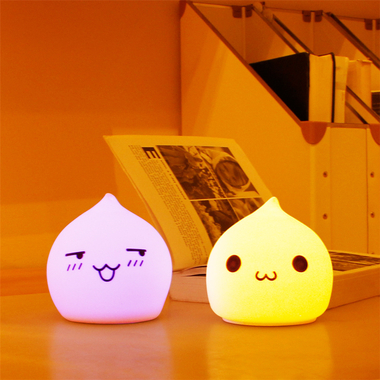 lampe veilleuse chat pour chambre de b b id al pour endormir b b. Black Bedroom Furniture Sets. Home Design Ideas