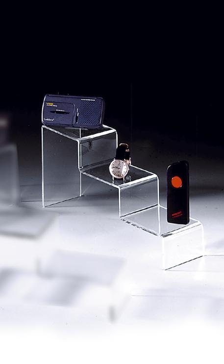 podium escalier plexiglass 3 marches. Black Bedroom Furniture Sets. Home Design Ideas
