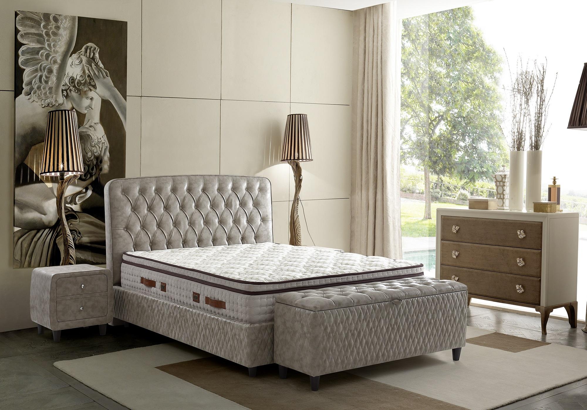 Lit coffre & tête de lit capitonnée taupe ANCONA