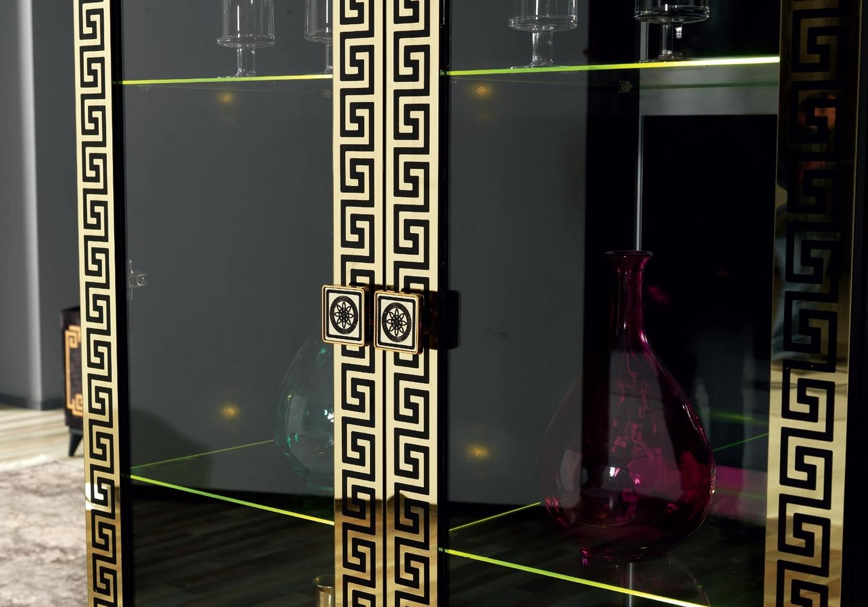 salle-a-manger-versace-noir-doré-3