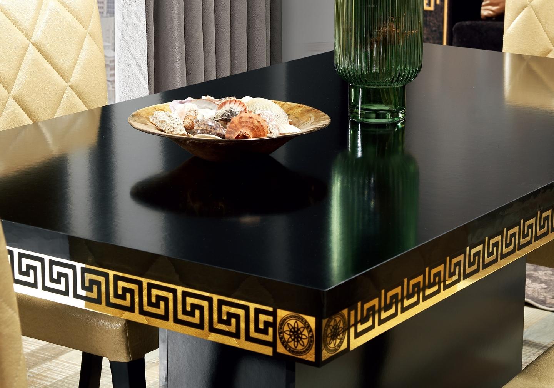 salle-a-manger-versace-noir-doré-4