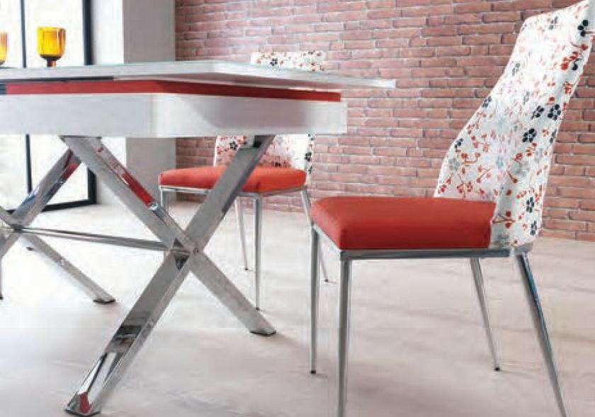 coin-repas-extensible-verre-securit-chaises-rouge-joy