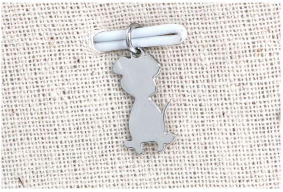 Pendentif chien argent H1.2cm L0.7cm acier inoxydable - Mile Mila M18A012