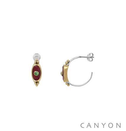 E4772 Boucles d'oreilles créoles argent et laiton ornées petit rectangle arrondi sillimanite rouge et petit brillant vert Dimensions  2,5cm x 0,7cm 81 €