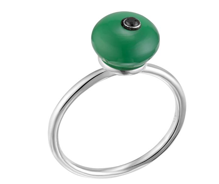 Bague argent composée d\'un onyx vert boule décorée d\'un oxyde noir et pose sur un anneau en argent rond et fin argent 925 - Canyon