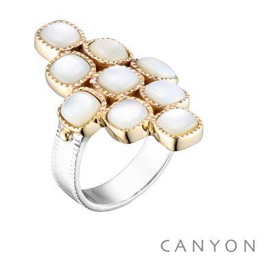 Bague argent et laiton composee d'un anneau argent plat et de 9 carres de nacre sertis de laiton et de 2 petites boules de laiton - Canyon