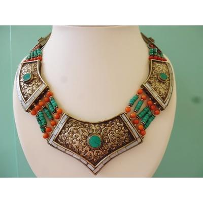 collier touareg avec corail, nacre et turquoise LA BELLE SIMONE