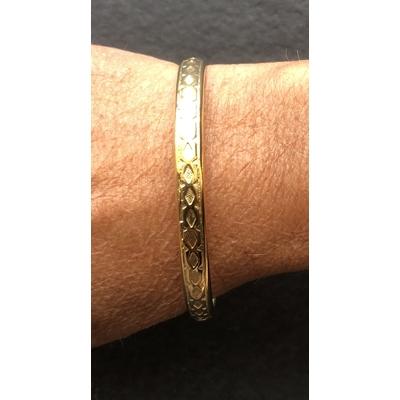 Bracelet jonc modèle FRISE en zamak doré SHABADA