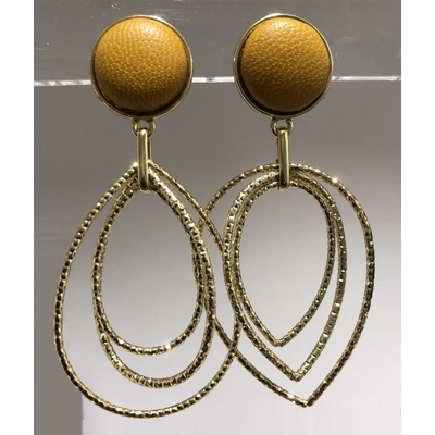 Boucles d'oreilles poire en cuir moutarde pendant en métal doré - La Belle Simone Bijoux