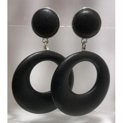 Boucles d'oreilles pika clous et pendant en cuir noir- La belle Simone Bijoux