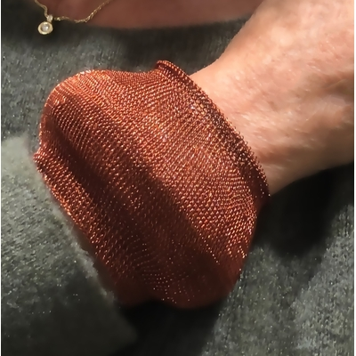 Bracelet large cuivré - fil de laiton tricoté main - Soninké