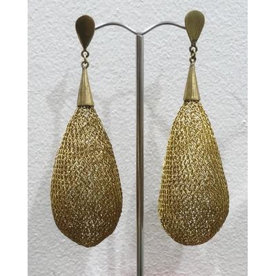 Boucles d'oreilles clous gouttes doré - fil de laiton tricoté main - Soninké