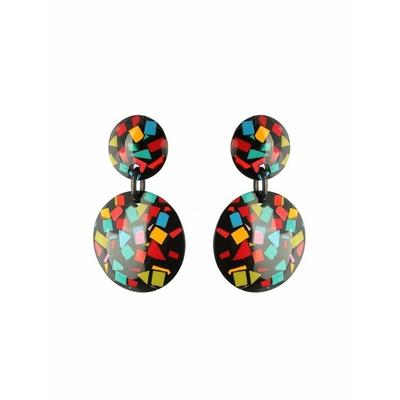Boucles d'oreilles clips confettis multicouleurs fond noir Résine -Marion Godart
