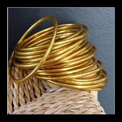 Bracelet FIN Ø6 jonc tibétain bouddhiste poudre d'or et huile dans tube scellé – La Belle Simone Bijoux