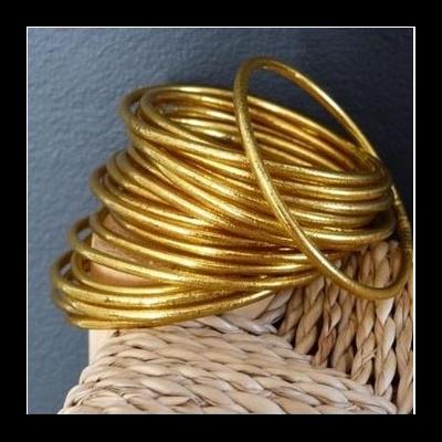 Bracelet FIN Ø7 jonc tibétain bouddhiste poudre d'or et huile dans tube scellé – La Belle Simone Bijoux
