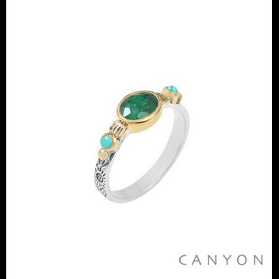Bague argent 925 sillimanite verte sur anneau gravé et 2 perles de turquoise serties de laiton - Canyon