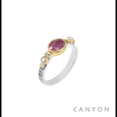 Bague argent 925 sillimanite rouge sur anneau gravé et 2 perles blanches serties de laiton - Canyon