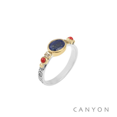Bague argent 925 lapis lazuli sur anneau gravé et 2 perles de corail serties de laiton - Canyon