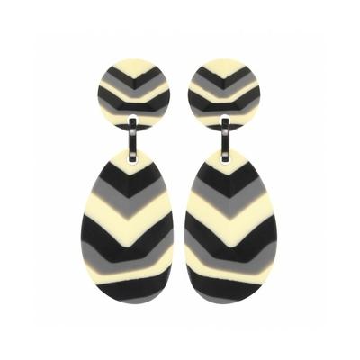 Boucles d'oreilles clips V noir, gris & blanc résine MARION GODART
