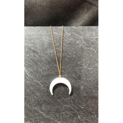Collier lune en nacre acier inoxydable - La Belle Simone Bijoux