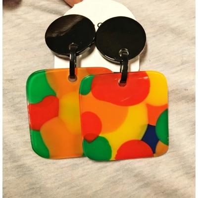 Boucles d'oreilles clips pop rectangle résine Marion Godart