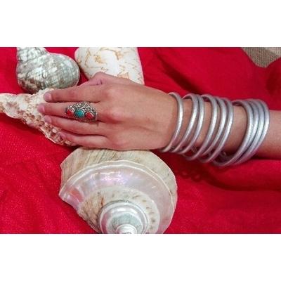 Bracelet ÉPAIS Ø7 jonc temple tibétain bouddhiste poudre d'argent et huile dans tube scellé – La Belle Simone Bijoux