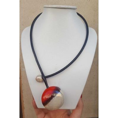 Collier céramique galet bicolore rouge/nacre Gévole