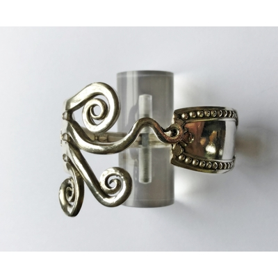 Bracelet modèle 1 fabriqué avec des couverts en argent - Création d'Olivia