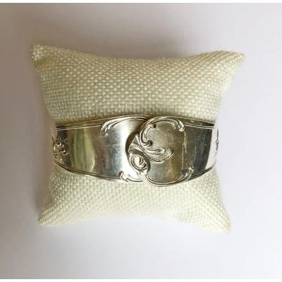 Bracelet modèle 2 fabriqué avec des couverts en argent - Création d'Olivia