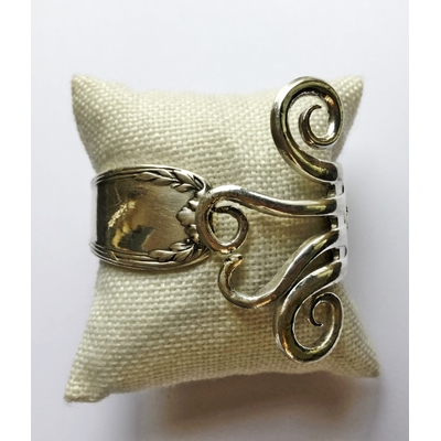 Bracelet modèle 4 fabriqué avec des couverts en argent - Création d'Olivia