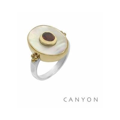 Bague argent et laiton ovale grande nacre blanche petit grenat - Canyon