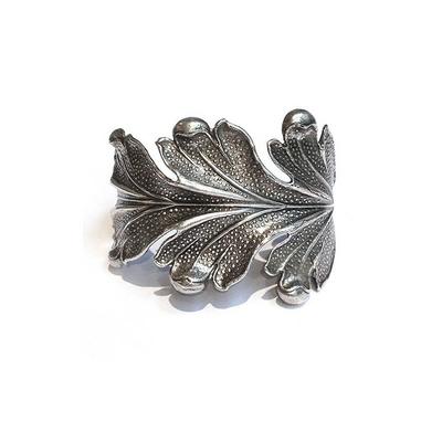bracelet large feuille de chene  Lotta Djossou