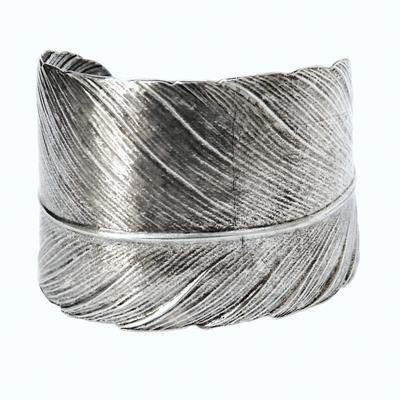 bracelet manchette plume Lotta Djossou