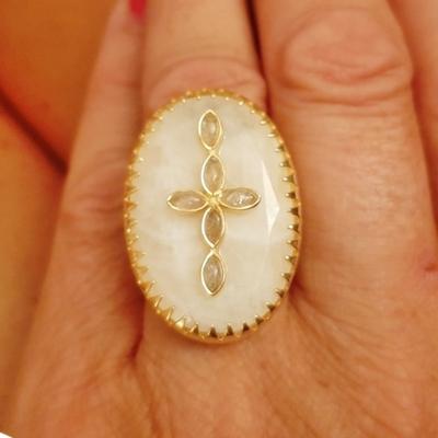 Bague réglable pierre de lune et croix en pierre de labradorite plaqué or 5 microns - La Belle Simone Bijoux