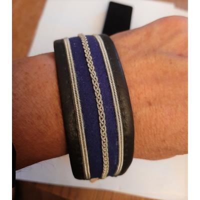 Bracelet SUMMER bleu collection classic manchette - cuir naturel de renne et fils d'argent - Hanna Wallmark