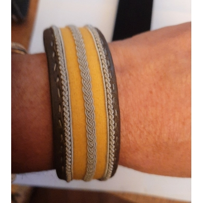 Bracelet SUMMER jaune collection classic manchette - cuir naturel de renne et fils d'argent - Hanna Wallmark