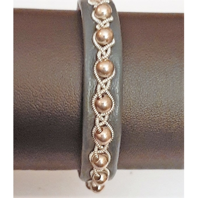 Bracelet TINDRA collection pearls - cuir naturel de renne et fils d'argent - Hanna Wallmark