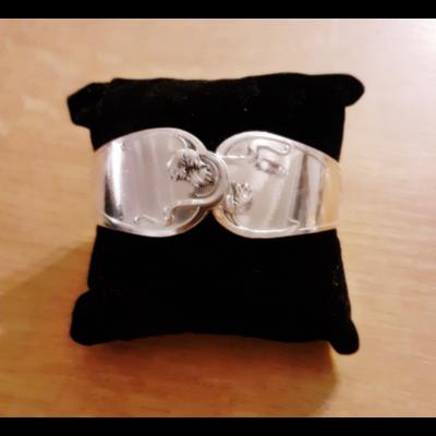 Bracelet manche n°2 fabriqué avec des couverts en argent - Création d'Olivia
