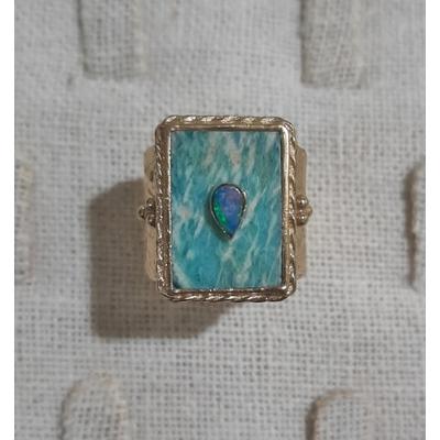 Bague amazonite de forme rectangulaire serti d'une opale  dorure 24 carats - Room Service
