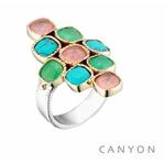 Bague argent et laiton composee d'un anneau argent plat et de 9 carres 3 de turquoise reconstituee, 3 de quartz rose 3 de calcedoine chrysoprase sertis de laiton et de 2 petites boules de laiton - Canyon
