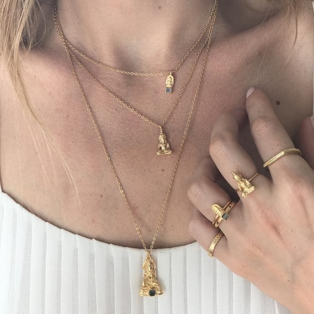 collier-dore-pendentif-bouddha-et-onyx-noire