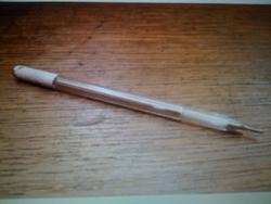Le crayon argent le stylo argent pour le cuir le coin du reparateur bouton de col - Comment enlever du stylo sur du cuir ...