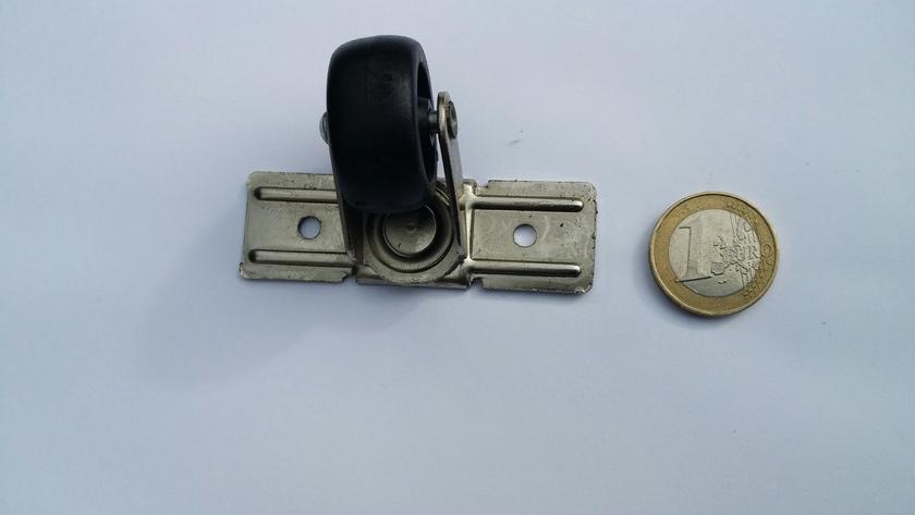 roulette pivotante pour valise articles metalliques fournitures metalliques divers bouton de col. Black Bedroom Furniture Sets. Home Design Ideas