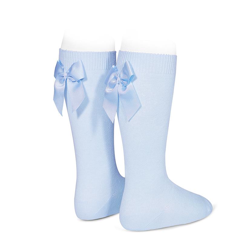 chaussettes-hautes-avec-noeud-gross-grain-derriere-bleu-bebe