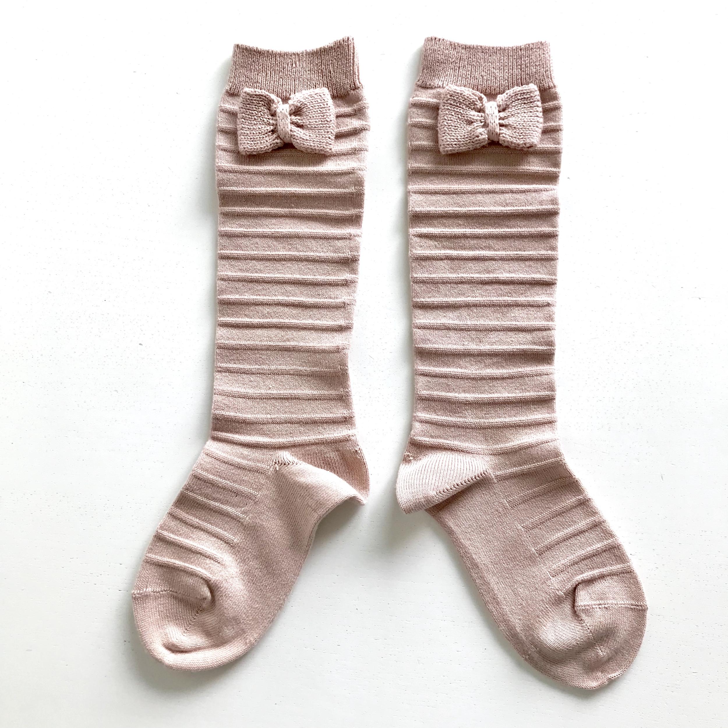 Chaussettes hautes Relief avec noeud tricot coloris Vieux rose