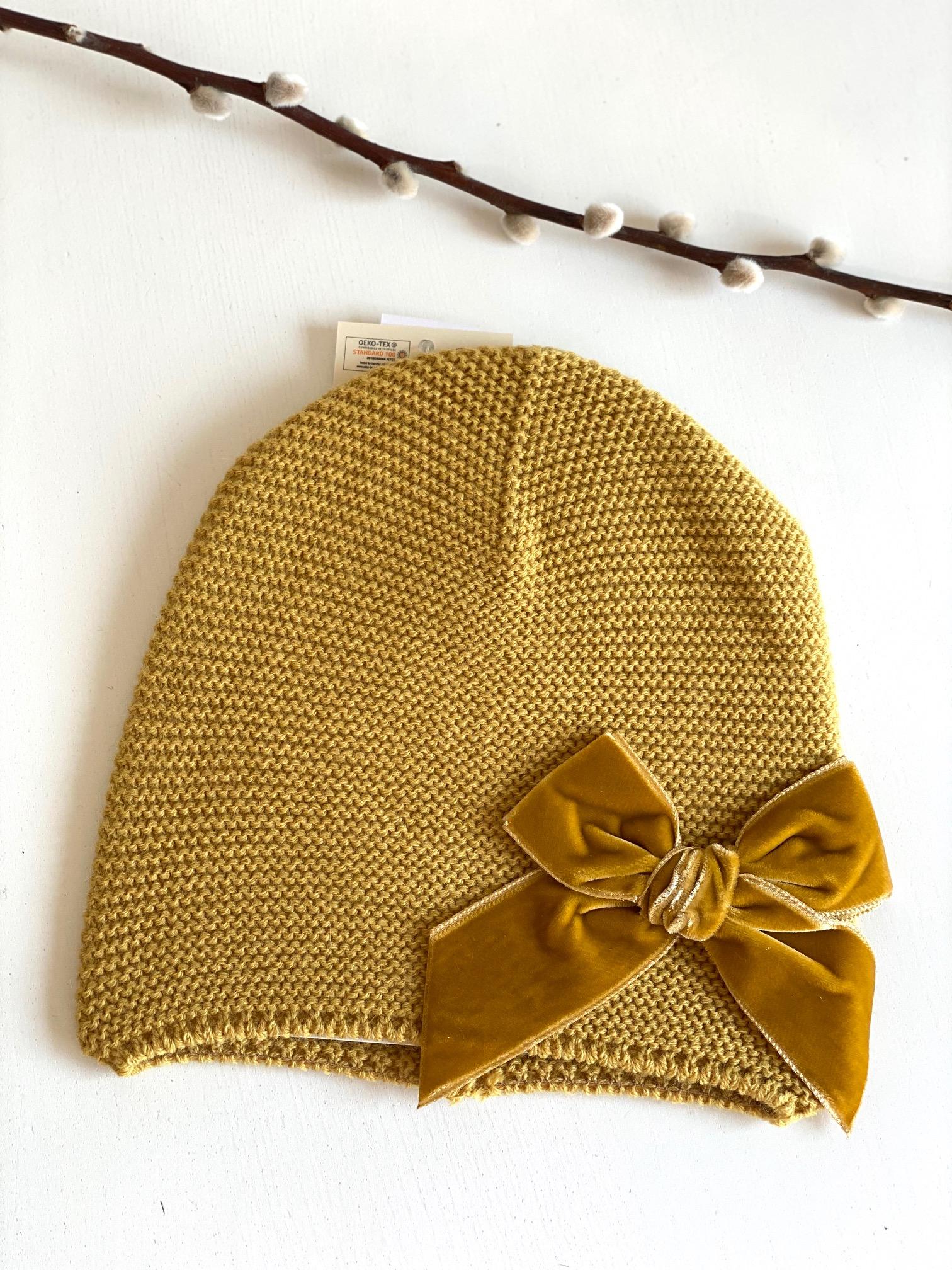 Bonnet enfant point mousse avec noeud velours coloris Moutarde