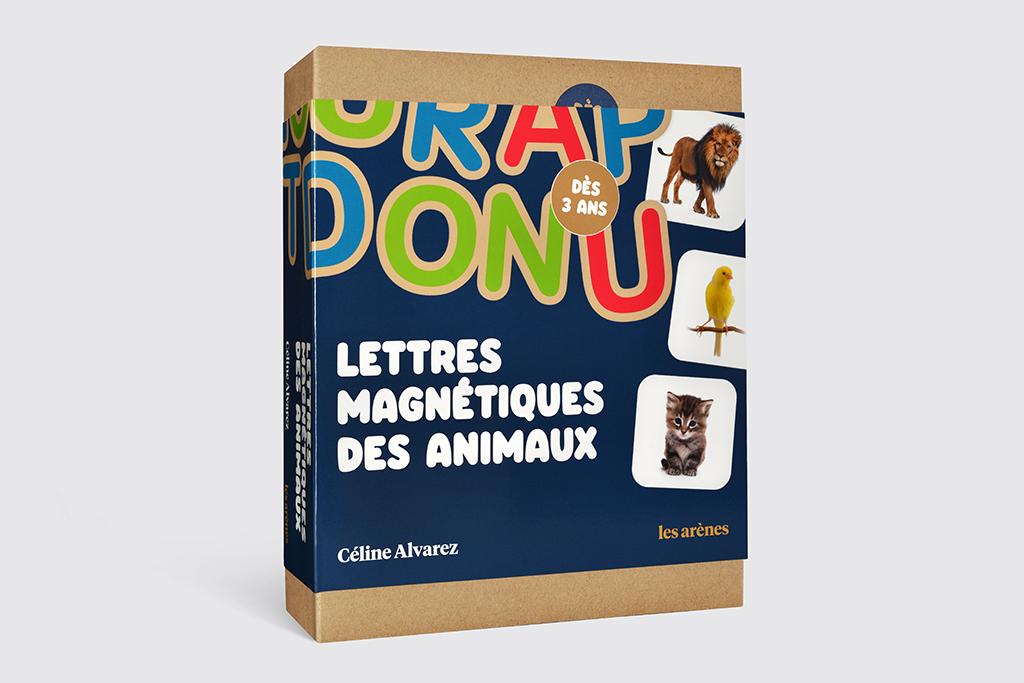 Coffret Lettres magnétiques des animaux - 53 pièces en bois dont 10 images d\'animaux