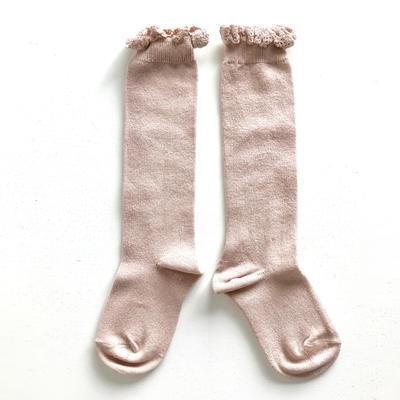 Chaussettes hautes unies bordure dentelle coloris Vieux rose